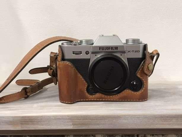 Фотоаппарат Fujifilm X-T20 BODY с кожаным чехлом