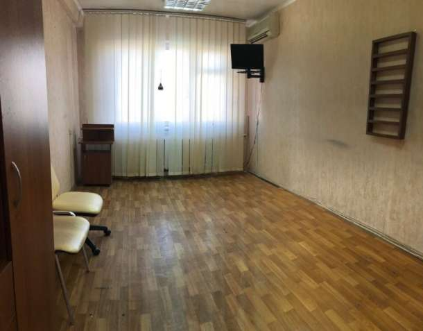 Сдается  помещение  под офис  м.Лукьяновская
