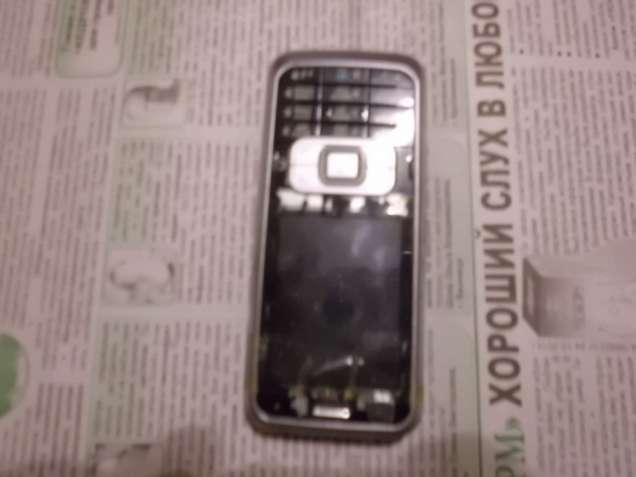 Продам телефон Нокия 6120 на запчасти.