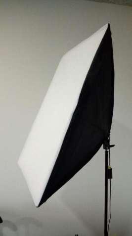 Постоянный свет - софтбокс 50х70см с патроном Е27, лампа 125W.