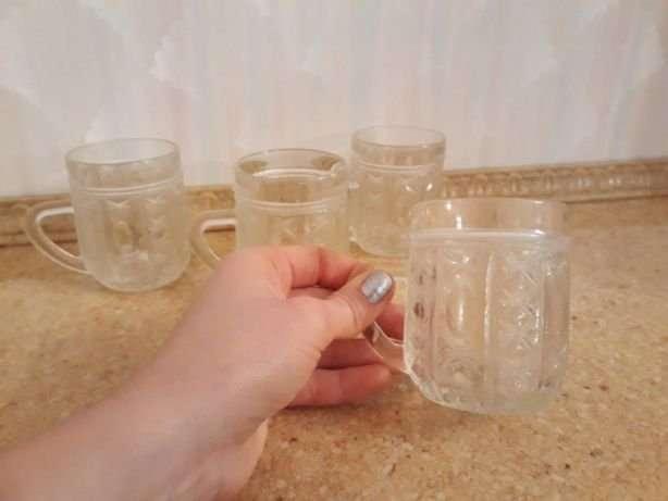 Бокалы чашки прозрачные