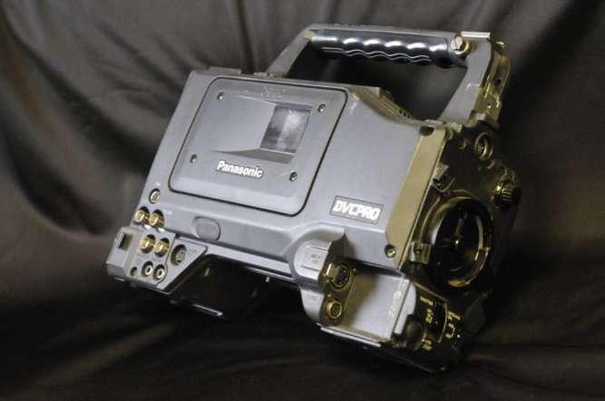 Камкордер Panasonic AJ-D410AE DVCPRO профессиональная видеокамера