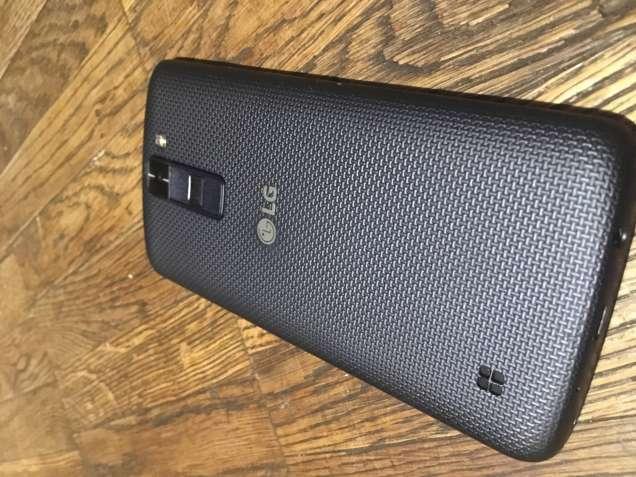 Продам телефон LG k8