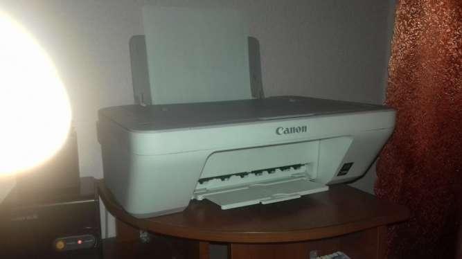 Продам два принтера Canon 2450 и 2440 без картриджей