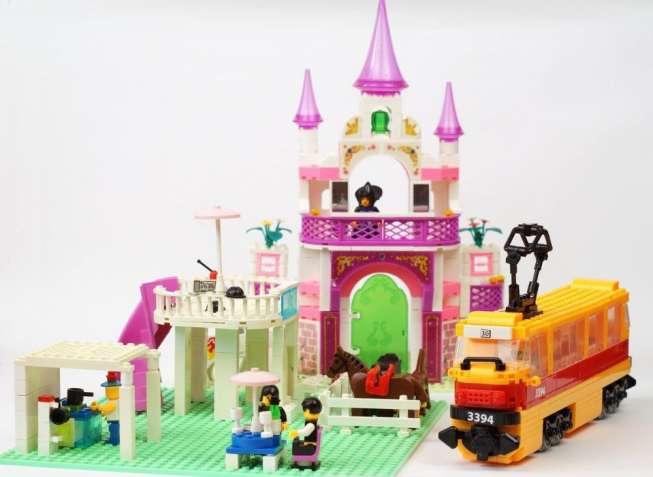 Конструктор детский 3 набора: замок, ранчо и трамвай