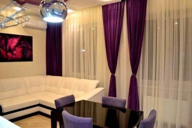 Продам 1-но комнатную с ремонтом в кирпичном доме / Центр !