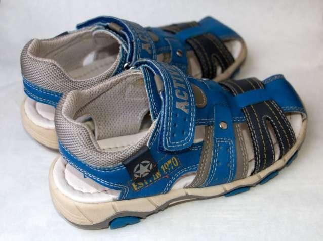 851eb327e0cdc0 Дитяче взуття. Купить дитяче взуття: для хлопчиків / дівчат, малюків ...