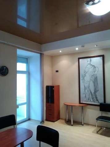 Центр, 2-уровневые уютные аппартаменты 230 м.кв на Жилянской