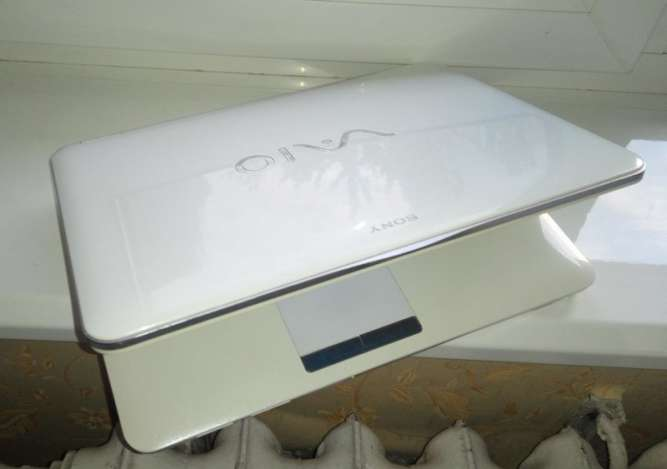 Ноутбук Sony VAIO VGN-CS215J