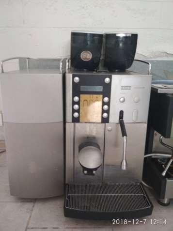 Кавомашина кафомашина кавоварка кофеварка кофейное Franke evolution