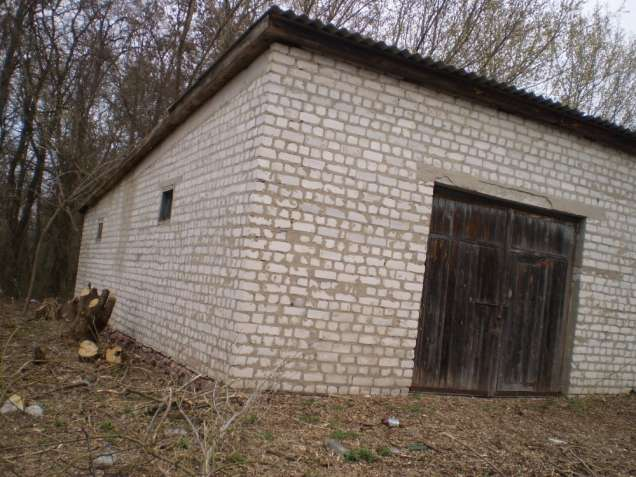 Нежитлова будівля гаражів