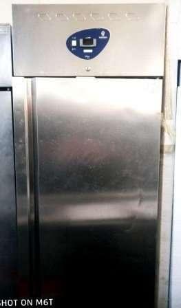 Холодильный шкаф Desmon SM7 б/у 700 литров