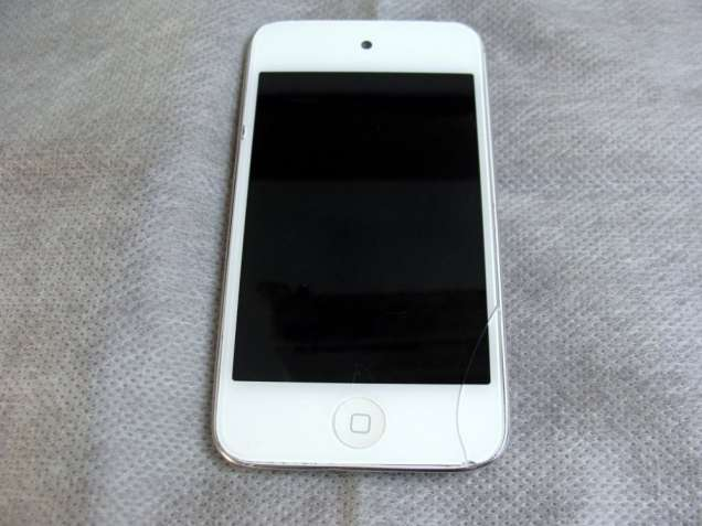 Продам Apple Ipod Touch 4G/8Gb