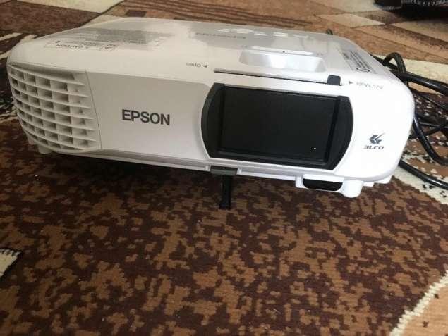 Проектор мультимедийный Epson EH-TW610