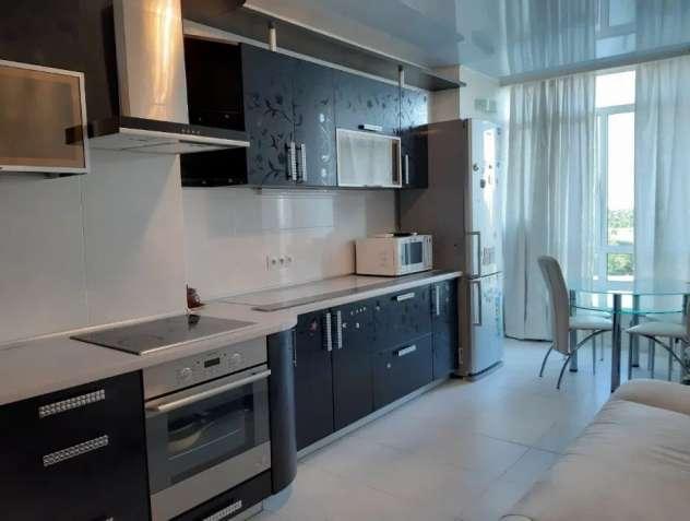 Продам 1-но комнатную с ремонтом на Разумовской в новом доме