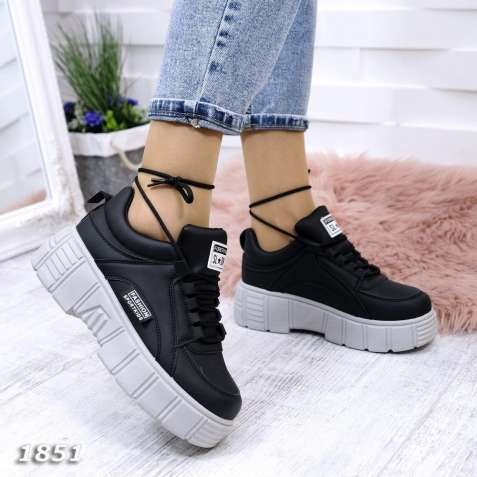 Черные женские кроссовки на серой подошве FORESTKING 36-41р