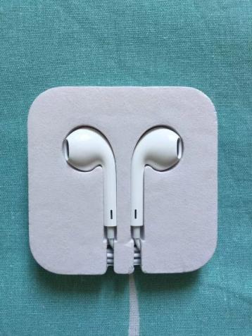 Оригинальные и Новые Наушники Earpods из комплекта Apple iPod 5 Gen