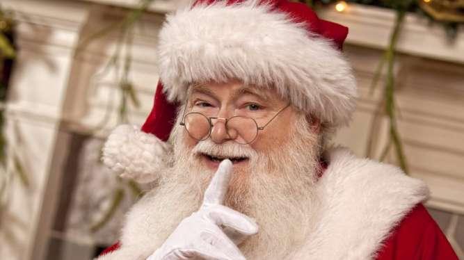 Видеопоздравление с Новым годом от Деда Мороза и Снегурочки!