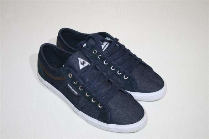 Одяг та взуття. Купити взуття та одяг б в. Недорогий одяг у ... a61fc5be8a3d8