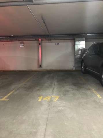 Паркоместо Виноградарь, паркинг проспект Правды