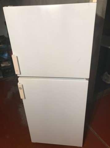 Продам холодильник Бирюса-22