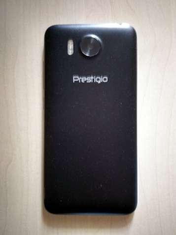 Смартфон Prestigio MultiPhone Grace R7 7501 Duo + чехол фліп, бампер.