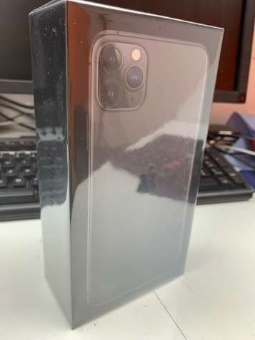 Apple iPhone 11 Pro Max 64GB - Space Grey (Unlocked)