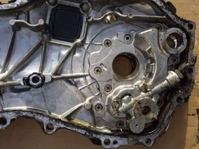 Крышка передняя двигателя с маслонасосом 2ARFE 2ARFXE Toyota Camry 50