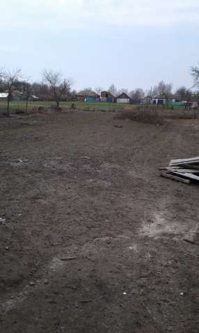 Продам участок землі сільгосппрозначення але можна під застройку.