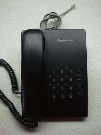 Телефон Panasonic KX-TS2350UAB в рабочем состоянии.