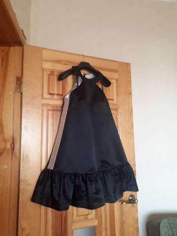 Красивое атласное платье с серебристыми вставками (Кира Пластинина)