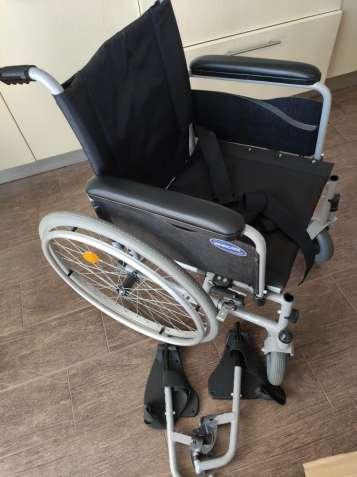 Кресло-коляска инвалидная Action 1 NG Invacare