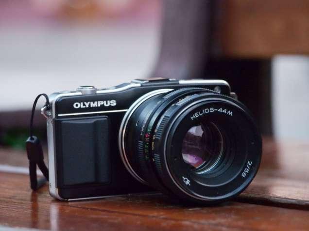 Olympus E-PM 2 + Объектив Гелиос 44М, отличное состояние!