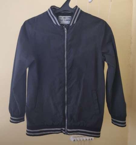 Стильная демисезонная подростковая куртка