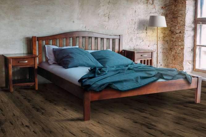 Производим и продаем деревянные кровати  и тумбочки с гарантией