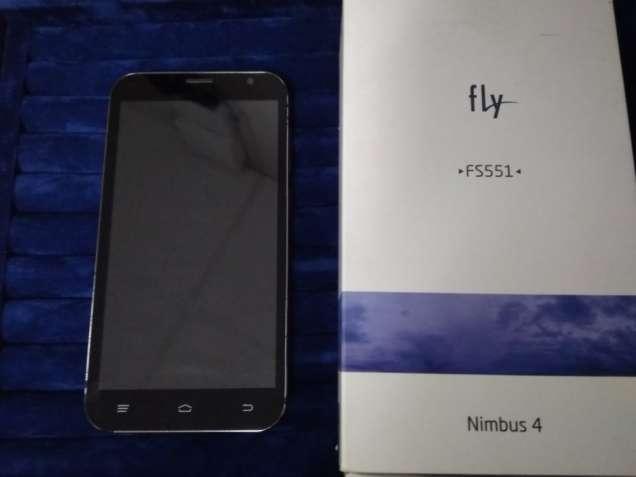 Смартфон FLY FS551