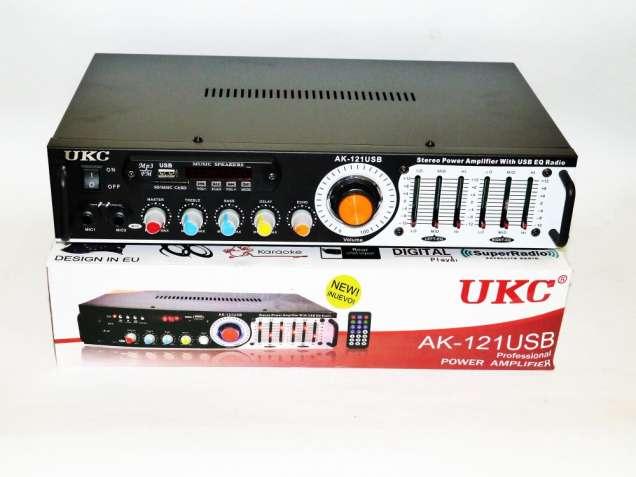 Усилитель звука UKC AK-121USB + КАРАОКЕ 2микрофона
