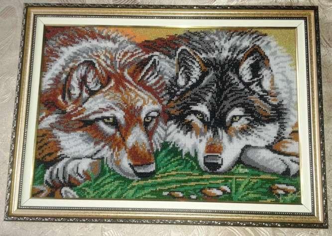 """Картина волки  вышита  бисером """"Милая парочка"""" 33 х 45 см."""