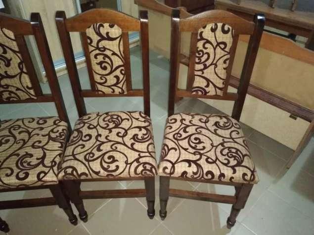 Нові стільці
