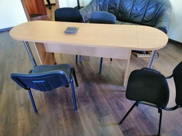 Офисный стол для переговоров