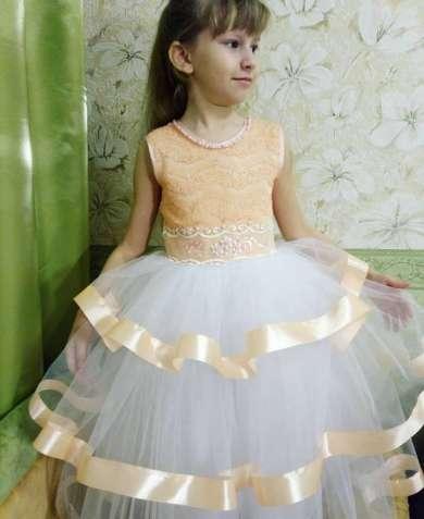 Нарядное платье 6-8 лет