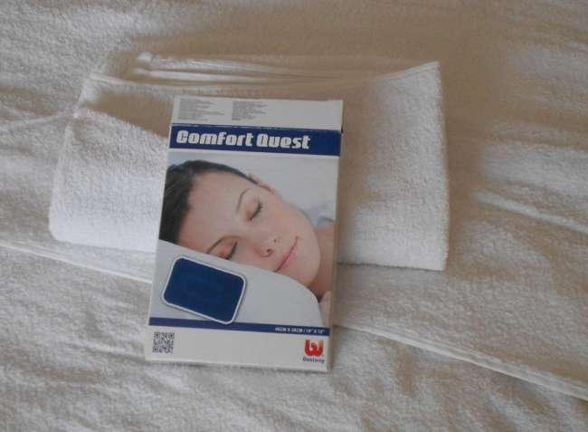 Подушка надувная Bestway 48х30х10 см. Синего цвета.