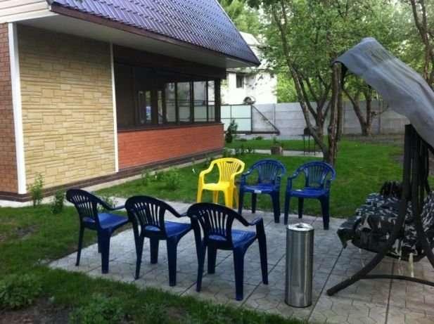 Аренда дома посуточно,Русановские сады,109