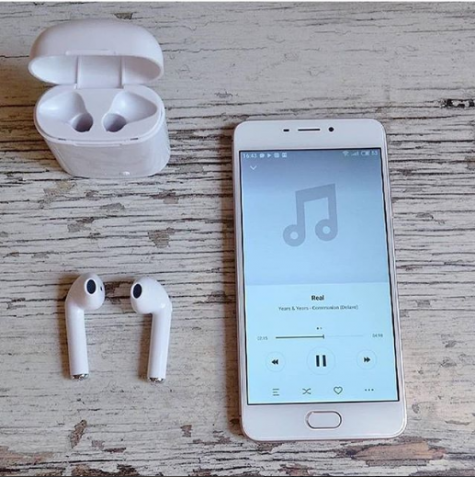 Покупай AirPods - iPhone X в Подарок