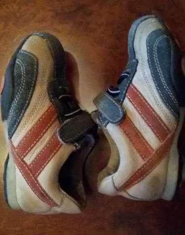 Продам кроссовки, туфли, мокасины 25 разм детские кожанные