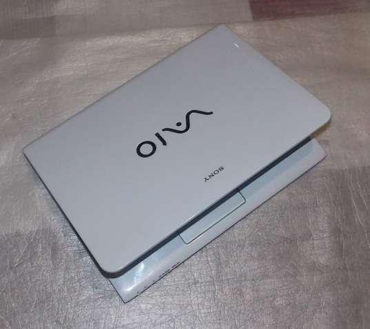 Ноутбук Sony Vaio SVE14A2V1R White