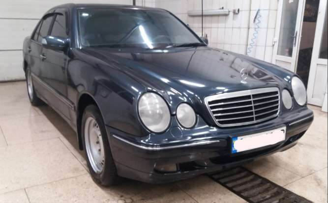 Mercedes E 320 4matic avantgarde  w210