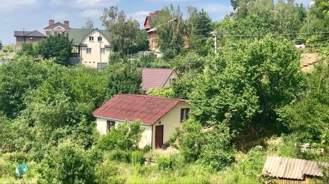 Продам приватизированый дачный участок с домом 25 км. от Киева