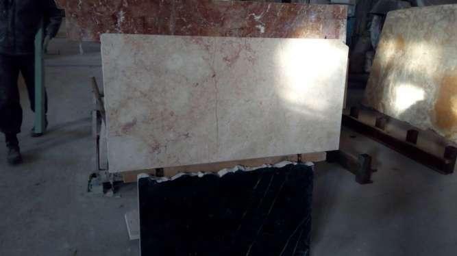 Мрамор – это очень красивый камень в интерьере
