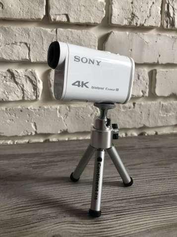Продам экшен камеру Sony x1000